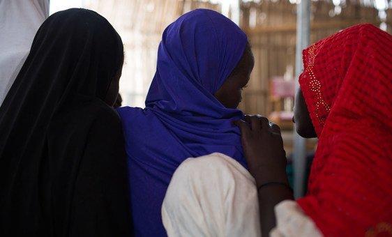 Meninas que foram sequestradas e estupradas pelo Boko Haram na Nigéria.