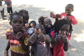 Дети из семей, пострадавших в результате нашествия циклона Идаи. Бейра, Мозамбик