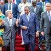 Katibu Mkuu wa Umoja wa Mataifa António Guterres akiwa na rais wa Kenya Uhuru Kenyatta (10 Julai 2019)