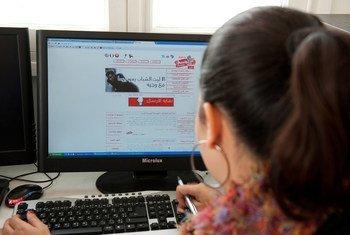 Пандемия выявила насущную необходимость решить проблему использования цифровых технологий с целью торговли людьми, считают эксперты ООН.
