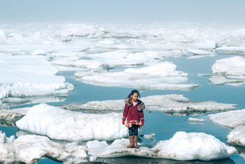 Na estaçãoKlinckna Groenlândia, o termômetro marcou -69,6 º C.