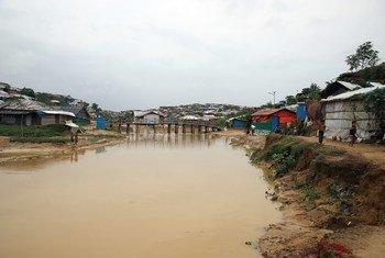 A estimativa é de que tenham chovido 350 mm após o começo das 72 horas de precipitações.