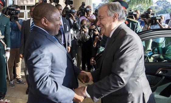 O secretário-geral António Guterres encontra-se com o presidente de Moçambique, Filipe Nyusi, em Maputo, Moçambique.