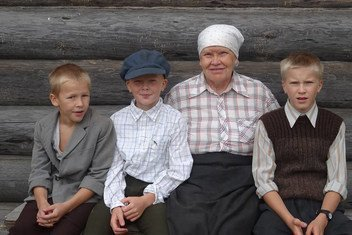Karelian family at the historical village of Kinnermäki.