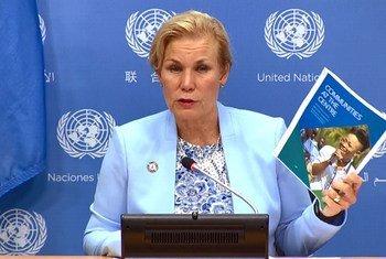 Gunilla Carlosson, Executive Director, AI, of UNAIDS briefs the press at UN Headquarters in New York on the UNAIDS update: