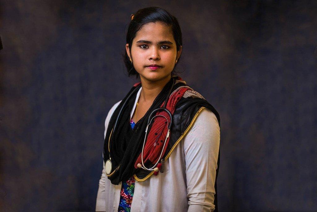 15岁的以实玛特(Ismat)是一名生活在孟加拉国的罗兴亚难民,她想要成为一名医生。