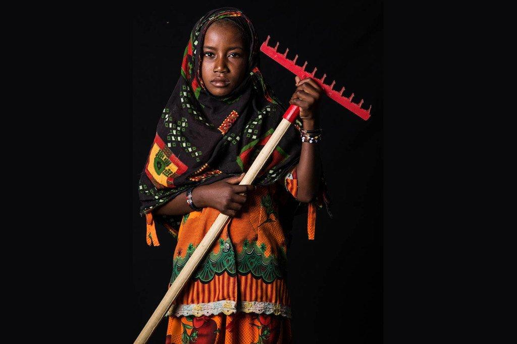 11岁的考图玛(Kaltouma)来自乍得,她想成为一个农民。