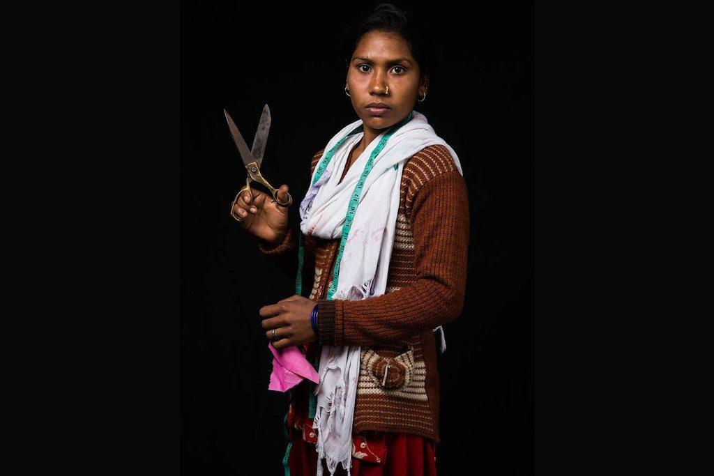 17岁的鲁帕利(Rupali)来自尼泊尔,她想当一名裁缝。