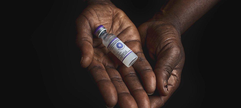 Algumas vacinas, como esta, protegem contra várias doenças, incluindo a hepatite B