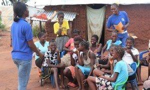 Imagem de uma das atividades com mulheres no assentamento de Lóvua