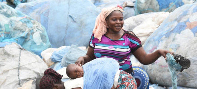 Mais de 280 toneladas de resíduos de plástico são produzidas todos os dias apenas em Abidjan